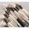 10 Echevettes de fils de coton Ecrues