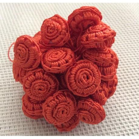 Perles fleurs en fil de soie orange