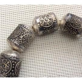 4 Perles tubes en métal argenté