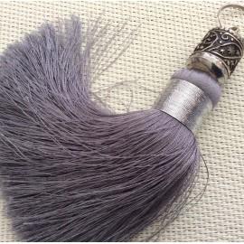 Grand pompon gris argent et sa perle