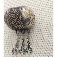 Grande Perle tube en métal et breloques