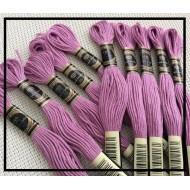 Echevettes de fils de coton violettes