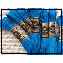 Echevettes de fils en coton de couleur Bleue