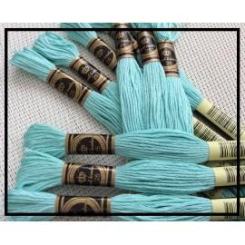 Echevettes de fils vert d'eau en coton