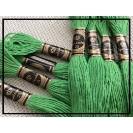 "Echevettes de fils en coton vert ""brin d'herbe"""