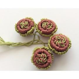 Perles fleurs en fil de soie x4