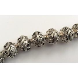 10 petites perles ovales argentées