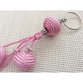 Porte clés avec perles en soie roses