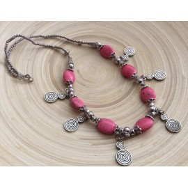 Collier marocain aux perles roses