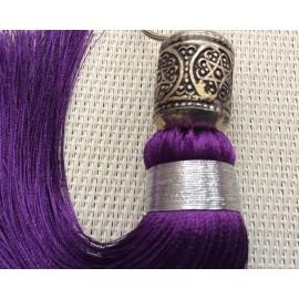 Pompon violet 17 cm et sa perle en métal