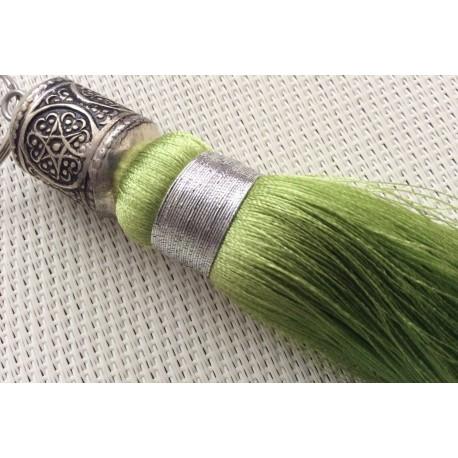 Pompon soie vert clair et sa perle ciselée